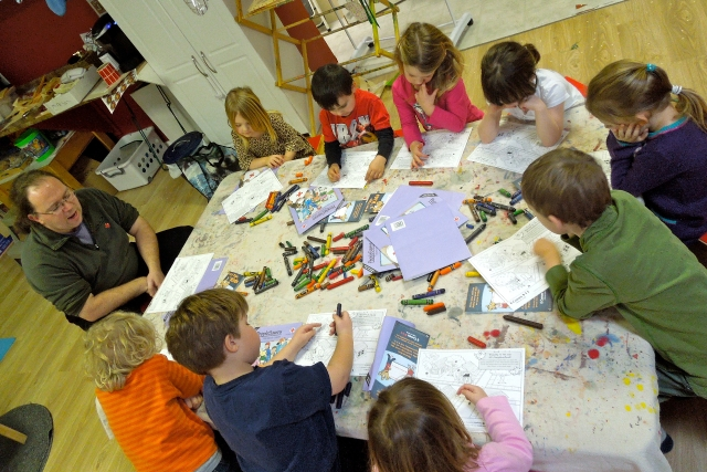 Kids work at the People Saver Level 1